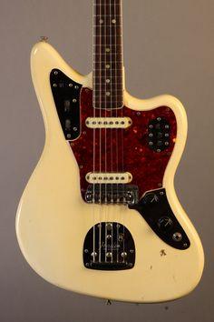 EF8587 1966 Fender Jaguar