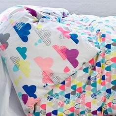 Today on Print & Pattern we have a celebration of the Australian company Adairs . Their bedding designs for children are modern and fun wi. Kids Patterns, Pretty Patterns, Fabric Patterns, Surface Design, Zentangle, Adairs Kids, Kids Prints, Linen Bedding, Adairs Bedding