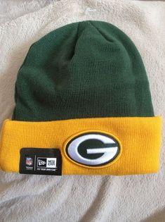 af2d663f779 NWT Green Bay Packers Football Beanie Cap Knit Hat Green Yellow NFL New Era   NewEra