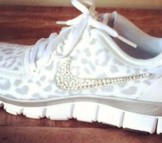 save off edfe4 2d975 Gepardenmuster Druck Schuhe, Nike Leopard, Nike Schilder, Strass Schuhe, Weiße  Nikes,