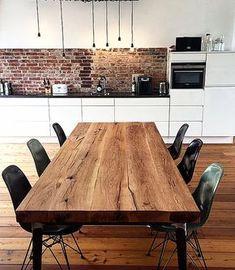 Esstisch | Massivholztisch | Holztisch aus Eichenholz-Altholz im Industriedesign | Holzwerk-Hamburg