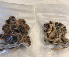 If you're a mushroom lover, this post is for you! You will learn step by step how to freeze mushrooms so you have them all year long. Can You Freeze Mushrooms, Freezing Mushrooms, Freezer Meals, Freezer Recipes, Canned Food Storage, Vegetable Recipes, Food Hacks, Preserves, Stuffed Mushrooms