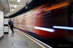 Лондонский фотограф Люк Агбаймони (Luke Agbaimoni) фотографирует станции лондонского метро для своего проекта фотографии tubemapper.com. В настоящее время на своём веб-сайте Tube Mapper он разместил множество своих снимков станций платформ туннелей близлежащих достопримечательностей и ориентиров.  Подробности читайте на сайте журнала Российское фото. Активная ссылка - в профиле. #росфото #российскоефото #rosphoto_top  via Rosphoto on Instagram - #photographer #photography #photo #instapic…