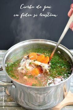Ciorbă de pui cu fidea şi leuştean Soup Recipes, Cooking Recipes, Romanian Food, Healthy Soup, I Foods, Food And Drink, Homemade, Meals, Chicken