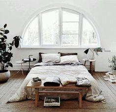 14 ideas para combinar mesitas de noche diferentes y otros muebles en el dormitorio | Bohemian and Chic