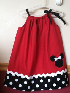 Minnie Mouse pillowcase dress with a matching headband Little Dresses, Little Girl Dresses, Girls Dresses, Toddler Dress, Baby Dress, Pillow Dress, Baby Sewing, Dress Patterns, Doll Clothes