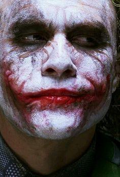 The Joker in The Dark Knight Rest in peace beautiful Heath Ledger Der Joker, Heath Ledger Joker, Joker Art, Joker Batman, Batman Art, Superman, Fotos Do Joker, Joker Pics, Joker Pictures