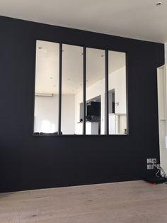 magnifique miroir d 39 atelier parfait pour agrandir la pi ce inspiration salon pinterest. Black Bedroom Furniture Sets. Home Design Ideas