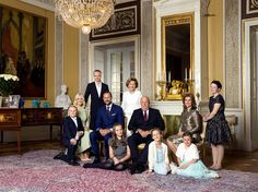 The royal court of Norway has released new official photos of Norwegian Royal Family on the occasion of 80th Birthday of the King Harald V and Queen Sonja. (Left to right: Prince Sverre Magnus, Crown Princess Mette-Marit, Marius Borg Høiby, Crown Princess Haakon, Princess Ingrid Alexandra, Queen Sonja, King Harald, Leah Isadora Behn, Princess Märtha Louise, Emma Tallulah Behn and Maud Angelica Behn.)