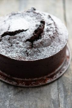 Rote-Bete-Scholadenkuchen Cake Cookies, Cupcake Cakes, Fun Desserts, Dessert Recipes, Pie Co, Beautiful Desserts, Bread Cake, Bakery Recipes, Pumpkin Bread