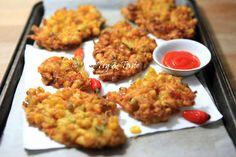 Resep Bakwan Jagung Garing JTT Asian Recipes, My Recipes, Cooking Recipes, Ethnic Recipes, Recipies, Indonesian Cuisine, Indonesian Recipes, Corn Fritters, Slimming World Recipes