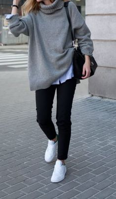 19 Cheap Turtleneck Oversized Sweater Outfit Ideas Anna L annaselinalakot Kleidung Grey/Gray Sweater. Cheap Turtleneck Knit Pullover Sweater are some … Winter Pullover Outfits, Oversized Sweater Outfit, Turtleneck Outfit, Gray Sweater, Grey Turtleneck, Black Cardigan, Flannel Outfits, Fall Outfits For Work, Casual Winter Outfits