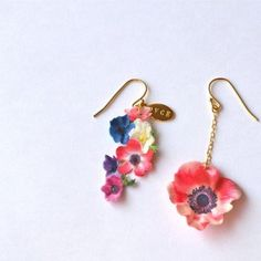 Glastonbury Festival Fashion Inspiration. hippie, bohemian, boho. Cute, delicate, elegant floral flower drop earings by OVCE