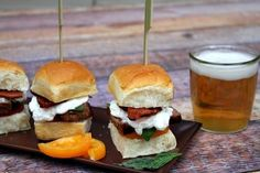 Filet Mignon and KING'S HAWAIIAN Original Sweet Dinner Rolls make the perfect sliders. day dinner menu Hawaiian Recipes & Bread and Rolls Recipes Hawaiian Sweet Breads, Hawaiian Recipes, Hawaiian Rolls, Filipino Recipes, Beef Recipes, Cooking Recipes, Sausage Recipes, Sweet Dinner Rolls, Gourmet