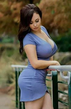 Curvy Girl Outfits, Curvy Women Fashion, Sexy Outfits, Look Body, Beauty Full Girl, Gorgeous Women, Sexy Women, Curves, Curvy Women