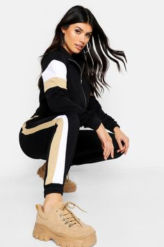 Womens Colour Block Tracksuit - b Model Outfits, Sporty Outfits, Fashion Outfits, Girls Tracksuit, Stylish Girls Photos, Color Blocking, Colour Block, Winter Wear, Asian Fashion