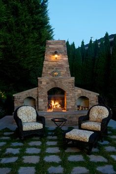 Outdoor Fireplace...I WOULD LOVE THIS