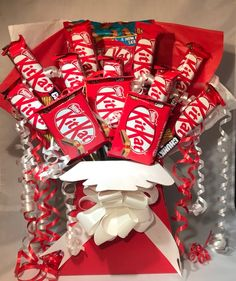 Candy Bouquet Diy, Bouquet Box, Gift Bouquet, Luxury Chocolate, I Love Chocolate, Chocolate Gifts, Candy Theme Birthday Party, Valentines Day Birthday, Chocolate Lovers Quotes