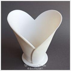 Photophore coeur en porcelaine blanche - Un Rire sous la Tonnelle © Sonia FIQUET…                                                                                                                                                                                 Plus