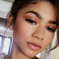 59 Best Natural Prom Makeup Ideas that Makes You Look Stunni. - 59 Best Natural Prom Makeup Ideas that Makes You Look Stunning 59 Best Natura - Natural Makeup For Blondes, Natural Summer Makeup, Natural Makeup Looks, Natural Prom Makeup For Brown Eyes, Simple Prom Makeup, Prom Makeup Looks, Prom Looks, Makeup Inspo, Makeup Inspiration
