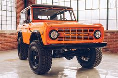 Redline's 1971 Ford Bronco for Sale is What Donald Frey Envisioned Ford Diesel, Diesel Trucks, Ford Trucks, Ford 4x4, 4x4 Trucks, Chevrolet Trucks, Chevrolet Impala, Lifted Trucks, Classic Ford Broncos