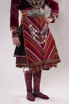 Detail of a traditional festive costume from Serres (Greek Macedonia). Greek Traditional Dress, Traditional Outfits, Historical Costume, Historical Clothing, Greek Dress, Costumes Around The World, Greek Culture, Folk Costume, Ethnic Fashion