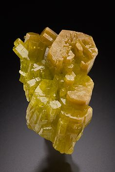 giftsfromtheearth:  Pyromorphite(via Key 's Minerals).