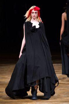 Yohji Yamamoto Spring 2016 Ready-to-Wear Collection