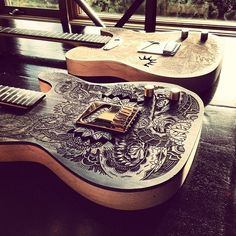 Ollie Munden collaborates with wood and leather craftsmen on awesome guitar project - Digital Arts