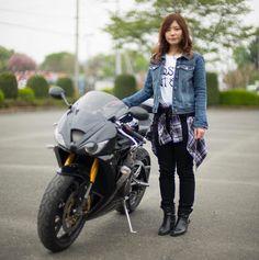 「バイク好きと出会って仲良くなりたい」「ライダー同士で婚活したい」と思う男性女性のために、「バイク好きと出会うための方法と仲良くなるコツ」を紹介します。 Lady Biker, Biker Girl, Chicks On Bikes, Bicycle Girl, Biker Chick, Motorcycle Bike, Biker Style, Sport Bikes, Beautiful Asian Girls