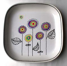31 Ideas For Drawing Ideas Sharpie Plates Sharpie Plates, Sharpie Crafts, Sharpie Art, Ceramic Plates, Ceramic Pottery, Sharpies, Pottery Painting Designs, Pottery Designs, Mug Designs
