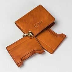 Без название Leather Wallet Pattern, Handmade Leather Wallet, Leather Card Wallet, Leather Keychain, Leather Pouch, Leather Carving, Leather Art, Vintage Leather, Leather Projects