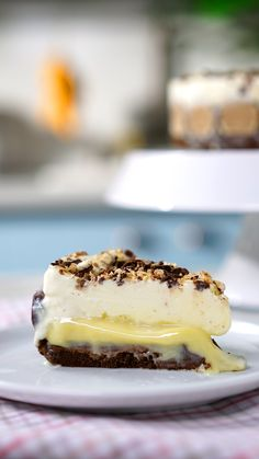 Torta Sonho de Valsa – The Best Arabic sweets and desserts recipes,tips and images Sweet Recipes, Cake Recipes, Dessert Recipes, Picnic Recipes, Tasty, Yummy Food, Savoury Cake, Clean Eating Snacks, Chocolate Recipes