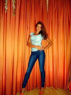 http://moldave.wordpress.com/ - Proviene da Chisinau e di professione fa la fotomodella, ora vive a Roma con le sue amiche moldave e sperano di diventare modelle professioniste. Ce la faranno!