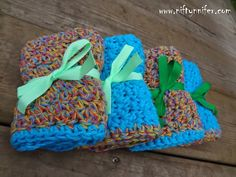Free Crochet Pattern ~ Easy Dc, Sc Washcloth w/Bernat handicrafter cotton in twisted melon and hot blue