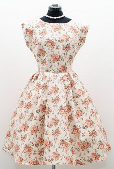 50s style floral cap sleeve bridesmaid dress by ElochkaHandmade. IN LOVE