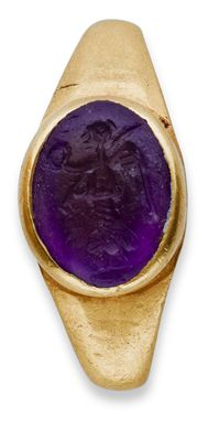 A ROMAN GOLD AND AMETHYST FINGER RING WITH VICTORIA