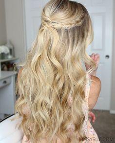 Vai ser madrinha de um casamento ao ar livre (praia ou campo) e não sabe ao certo como usar seu cabelo? Então o post de hoje é para você!  ...