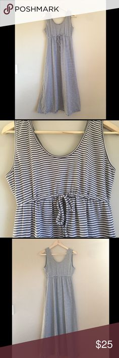 Old Navy Striped Maternity Dress Medium Extra comfortable Old Navy gray and white striped maternity dress. This is a medium but fit seems a bit larger.  I only worn this a few times but it was SO comfortable while pregnant.                        ❌ No Trades ❌ No off Poshmark transactions ❤️ Bundle and save 📬 Fast shipper ❤️ I love reasonable offers Old Navy Dresses Maxi