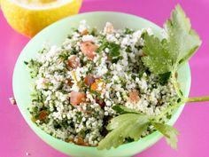Bulgursalat auf libanesische Art ist ein Rezept mit frischen Zutaten aus der Kategorie Bulgursalat. Probieren Sie dieses und weitere Rezepte von EAT SMARTER!