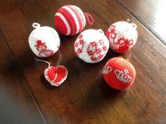 Gebreide kerstballen gemaakt door gretha