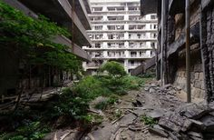 * Ilha de Hashima * Japão. Abandonada.