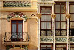 Art Nouveau - Zamora, Spain Art Nouveau, Art And Architecture, 1920s, Spain, Mansions, House Styles, Home Decor, Windows, Doors