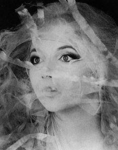 Lovely Kate as a dreamy alien.