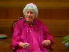 Doris Stokes - The Barbican 1986 (10/10)