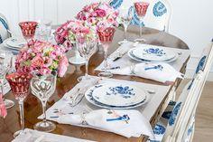 Mesa posta - rosa, azul e branco