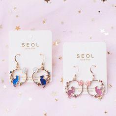 Pink black swarovski earrings/ sterling silver 925 earrings/ cat eyes glass beads earrings/ everyday jewelry/ gift for her/ handmade jewelry - Custom Jewelry Ideas Ear Jewelry, Cute Jewelry, Jewelry Gifts, Jewelery, Handmade Jewelry, Kawaii Jewelry, Kawaii Accessories, Jewelry Accessories, Cute Earrings