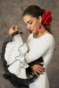 Spanish Dancer, Spanish Woman, Spanish Art, Spanish Culture, Flamenco Costume, Flamenco Dancers, Hottest Pic, Classic Beauty, Female Bodies