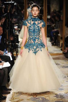 Se um dia eu casar, meu vestido será mais ou menos isso. Amei.  Marchesa