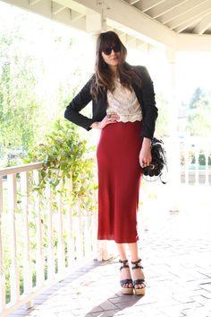 f12a385834 Natalie Off Duty: Happy Easter! Natalie Off Duty, Pretty Shirts, Red Skirts